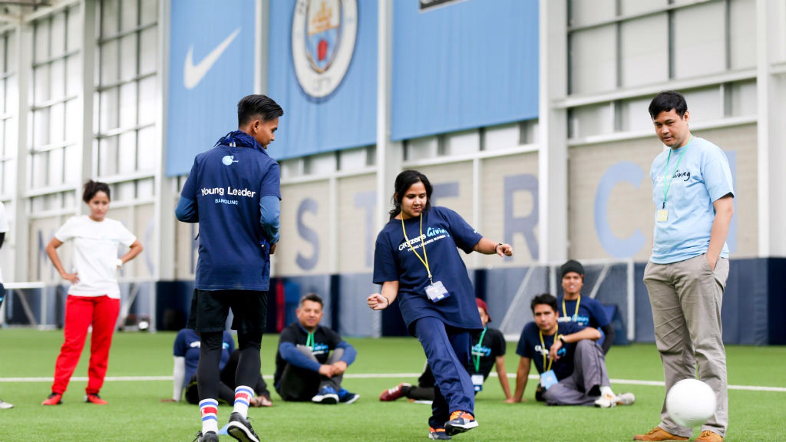 El proyecto ayuda a los jóvenes a utilizar el fútbol para cambiar su entorno.