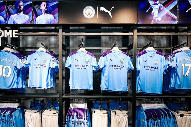 new concept e5902 042a5 Fans flock to new-look CityStore - Manchester City FC