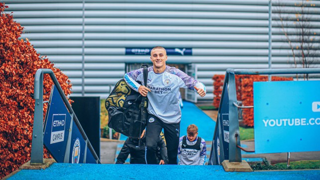 TAYLOR HARWOOD-BALLBOY-IS: Our young centre-back pitches in ahead of the session!