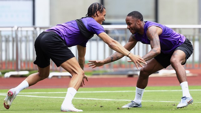 SAS DRILL: Raheem and Leroy look set for a wrestling contest