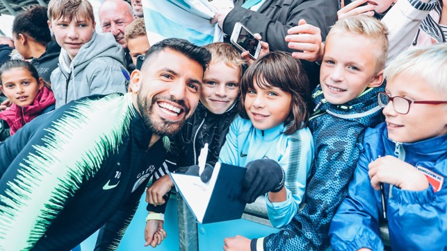 SELFIE SUNDAY: Aguero has his picture taken with some fans