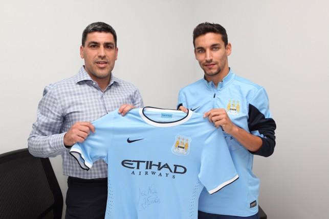 DOTTED LINE: Jesus Navas signs for City in 2013.
