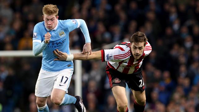 PREMIER LEAGUE: Kevin in Premier League action