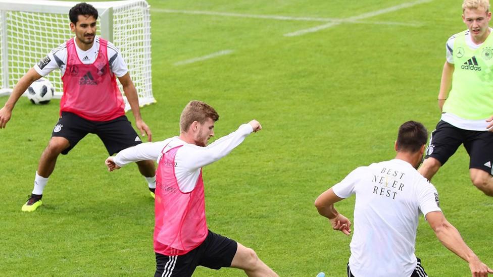 SILKY ILKAY: Gundogan in training with Germany