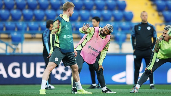 HANDYMEN: Sergio and KDB are in relaxed mode