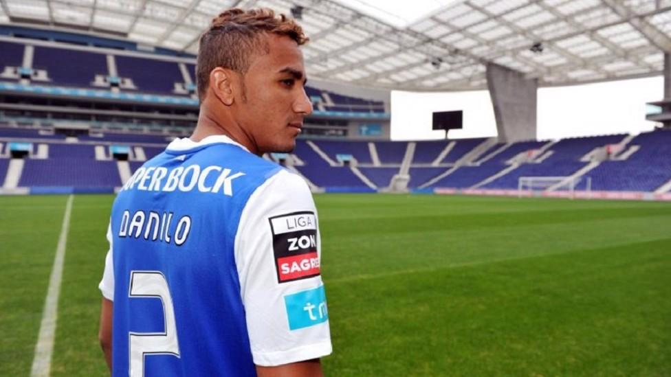 2010: Danilo in the colours of Santos
