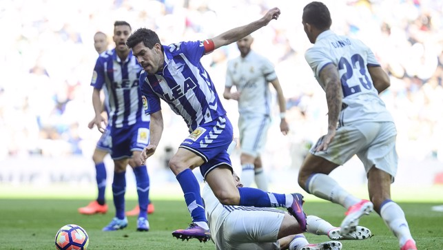 2015: Bedding in against Deportivo during a La Liga clash