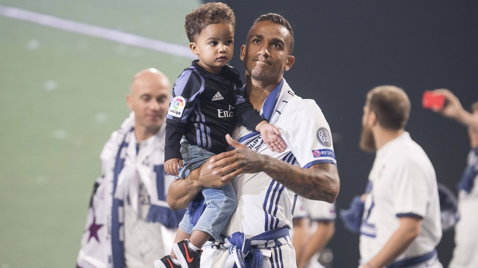 2017: Family man Danilo with young son as Real celebrate another title