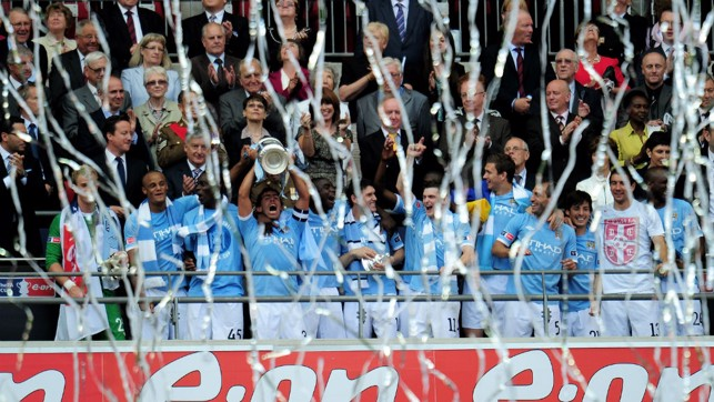 2011: The Blues celebrate after winning the Cup!