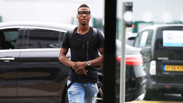 IN SIGHT: Kelechi Iheanacho rocking some interesting eyewear