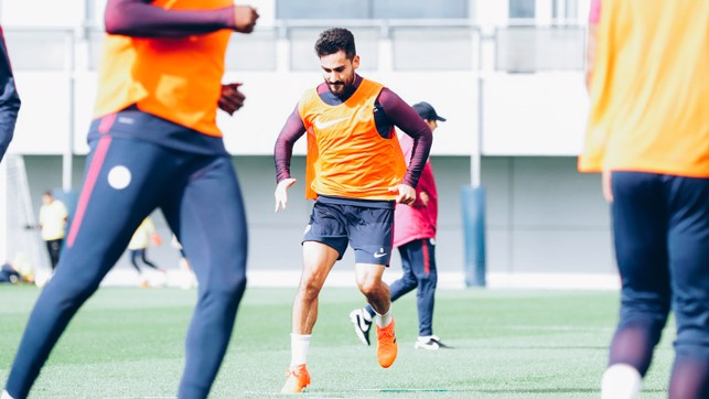 ILKAY: German star bibbed and ready to go!