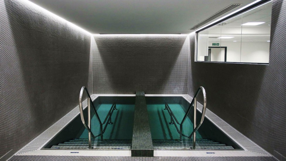 INSTANT RECOVERY: Hydro pools in the player area