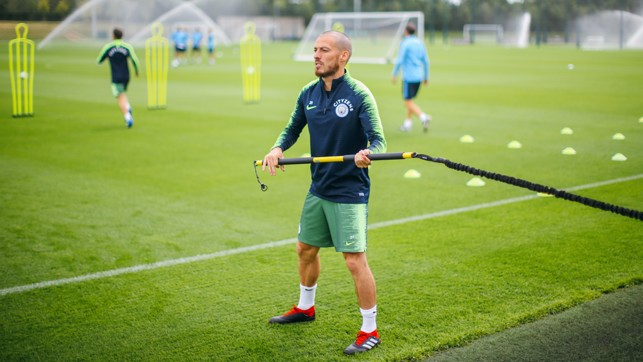 EL MAGO: Strength work for David Silva