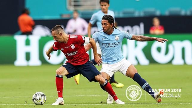 CHALLENGE: Luiz goes after it