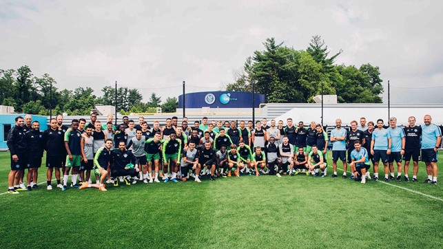 GROUP SHOT: NYCFC and MCFC take a whole squad picture