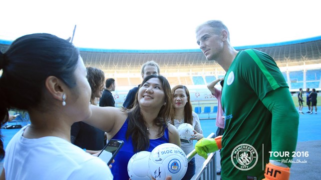 HART STOPS: Joe finds time for a supporter