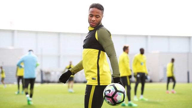 HEEMEO: Sterling controls the ball during training