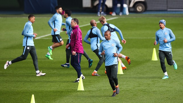 PREPARATION: Final training session before the game.