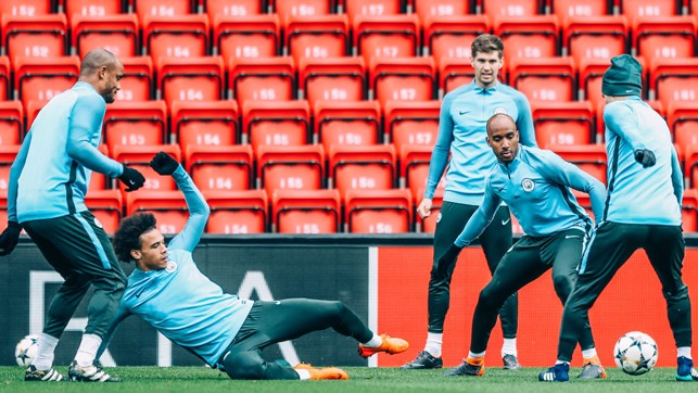 SLIDE: Leroy Sane in training.