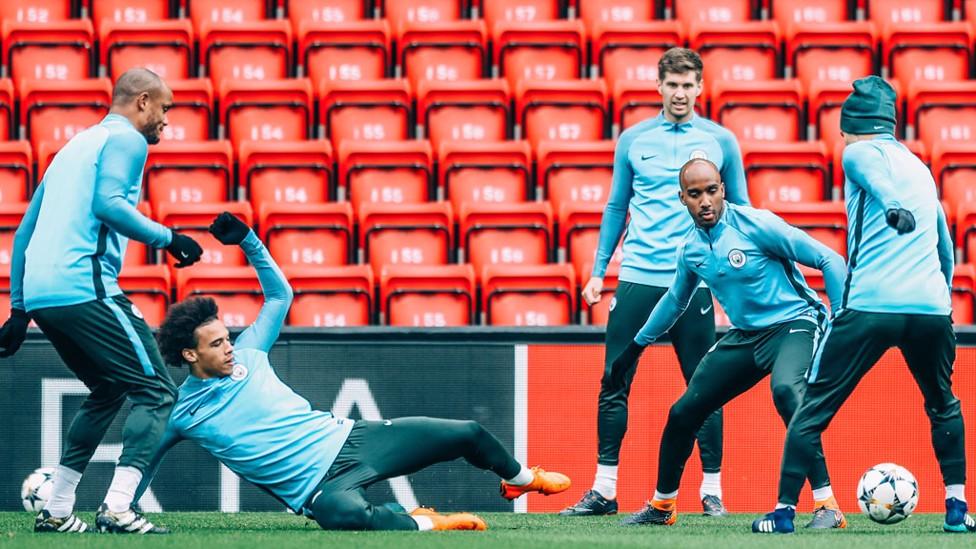 SLIDE: Leroy Sane in training.