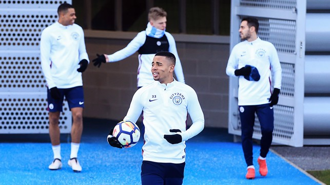 SHARKS: The Nmecha, Zinchenko, Bernardo and Jesus join in training