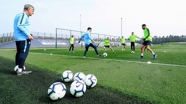 HANDS ON: Mikel Arteta gets involved in a rondo
