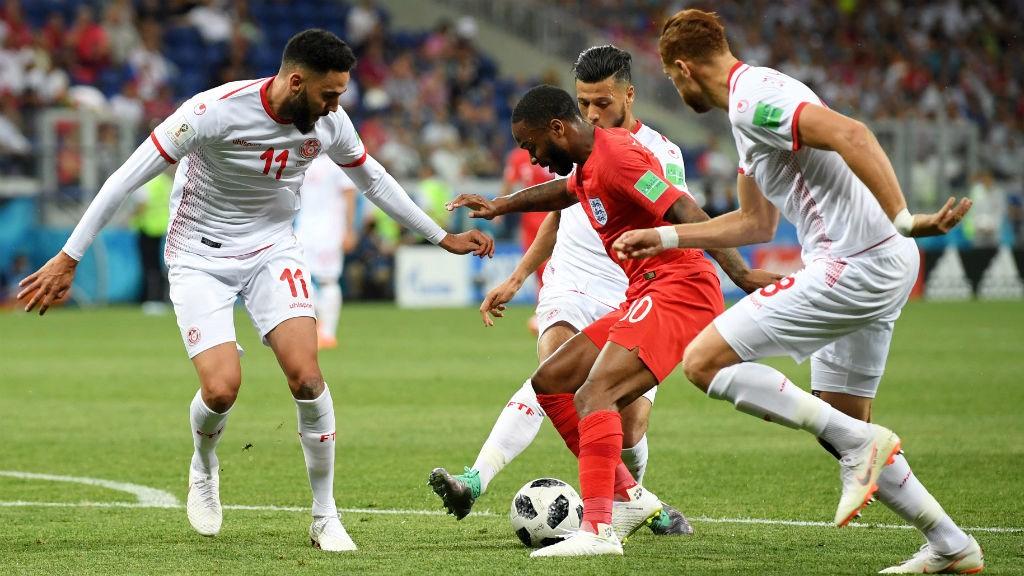Inglaterra e Bélgica entram a vencer