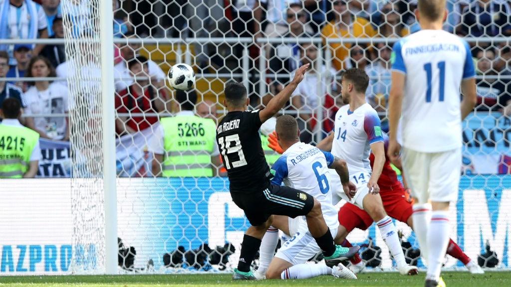 ESTRENO. Sergio marcó ante Islandia el primer tanto en una Copa del Mundo.