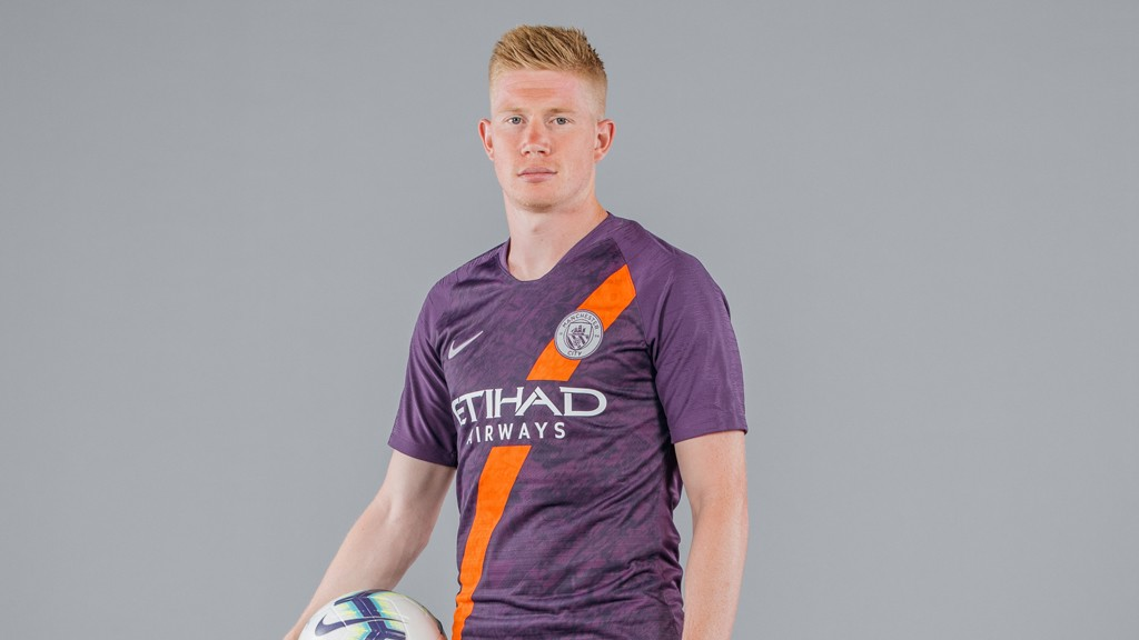 SPECIAL K  Kevin De Bruyne models the Blues  new 2018 19 third kit 185b862bde78