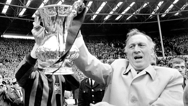 Joe celebrates winning the FA Cup against Leicester