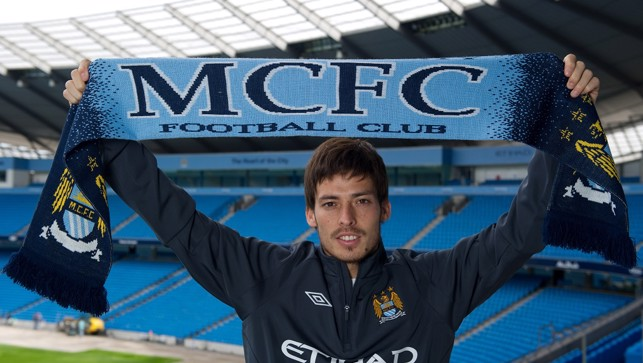 2010: David Silva adopts the classic pose