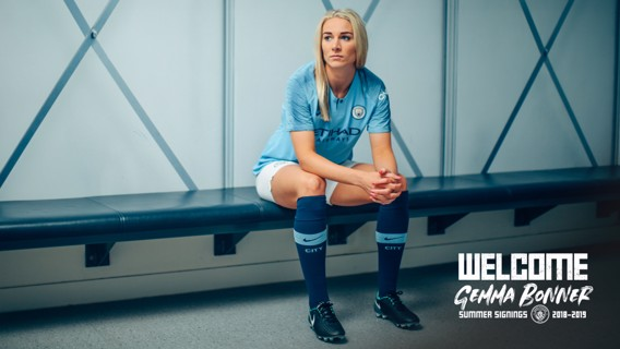 SNAP SHOTS: Behind-the-scenes on Gemma Bonner's first day...