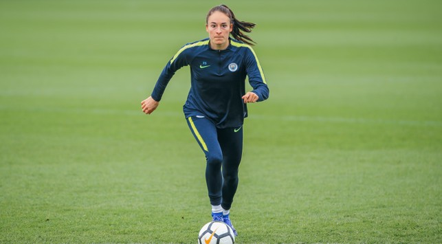ON THE FRONT FOOT: Tessa Wullaert goes through her paces