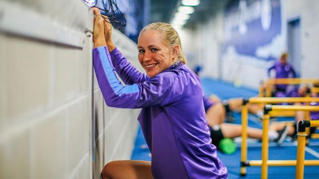 PAU-LEAN: Wall stretches for sharp-shooter Pauline Bremer