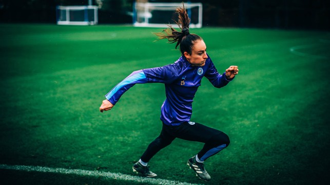 RUNNING THE LINE: Tessa Wullaert sprints clear