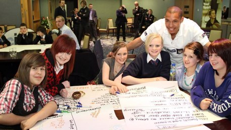 Nigel de Jong at Places for Players Dragons Den
