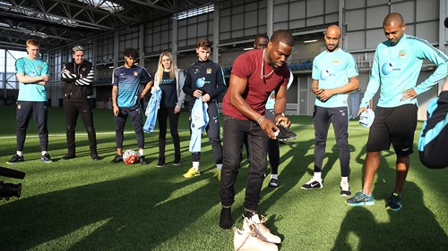 Kevin Hart gets his boots on