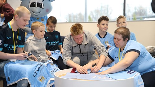 Kevin De Bruyne signs for the VIPs