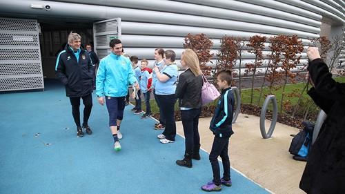 Manuel Pellegrini greets the VIPs