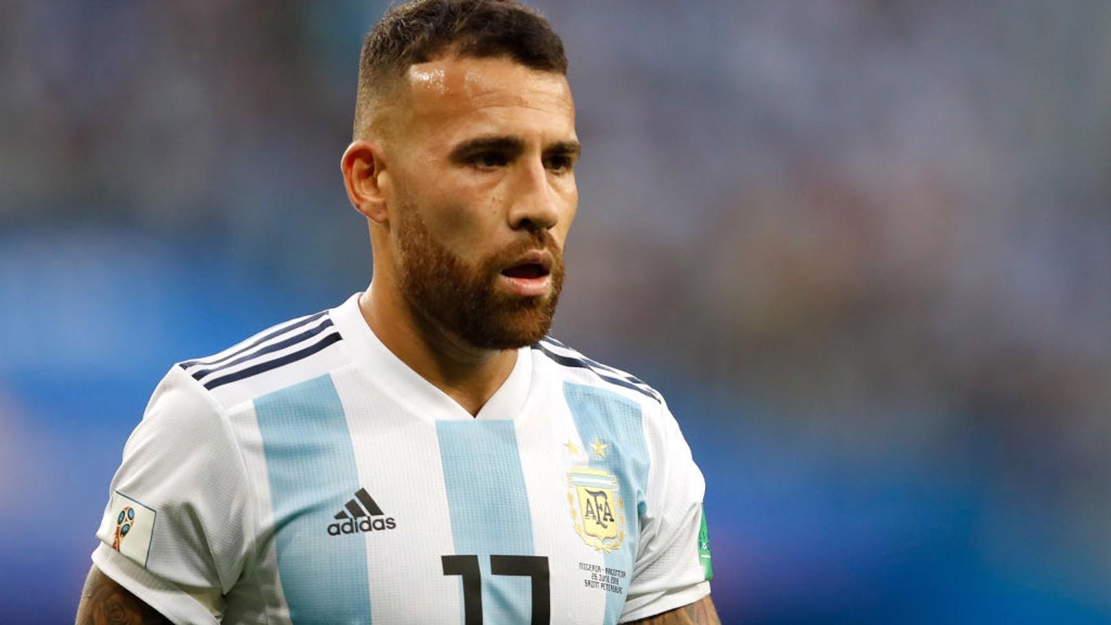 NICO OTAMENDI. Titular con Argentina.