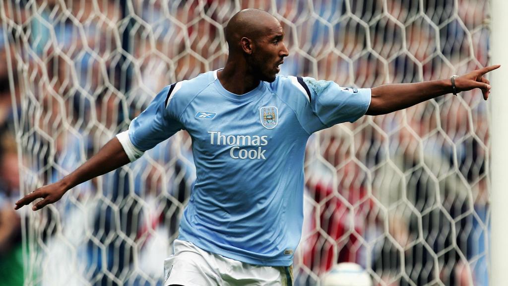NICOLAS ANELKA. Dos goles del francés en la última victoria de City en Anfield en liga.