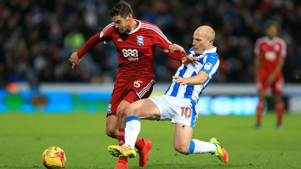 ARTÍFICE. Aaron Mooy fue uno de los responsables de una temporada histórica para el Huddersfield.