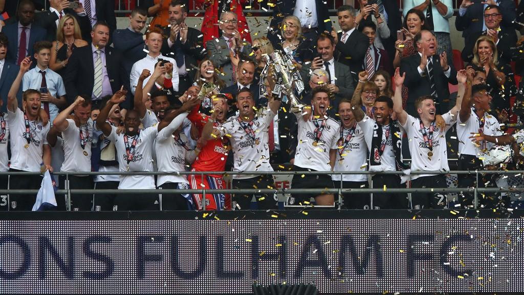 WEMBLEY. El Fulham logró el ascenso al derrotar al Aston Villa en la final del playoff.