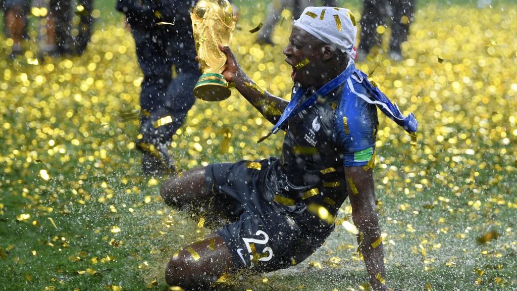 MENDY. El campeón del mundo, llamado con Francia.
