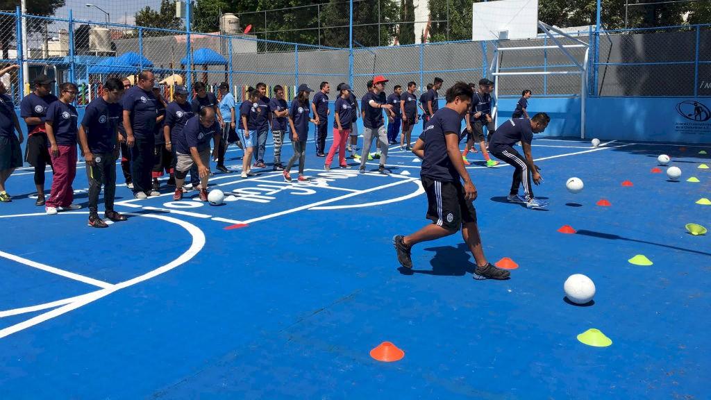 FÚTBOL. El deporte como herramienta de integración.