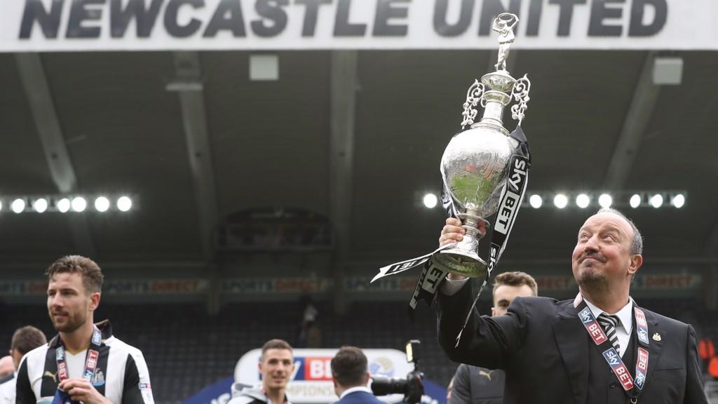 ASCENSO Y TÍTULO. El Newcastle regresó a la Premier League de la mano de Rafa Benítez.