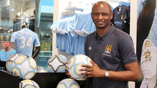 Patrick Vieira in CityStore Abu Dhabi