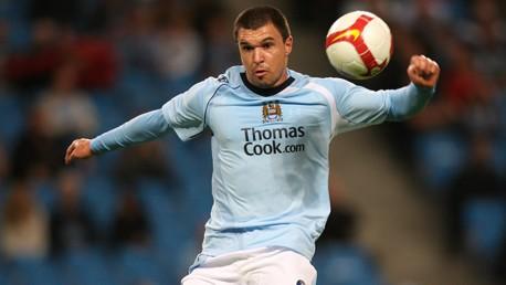 Valeri Bojinov takes kick 0809