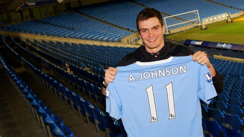 Adam Johnson signs for the Blues