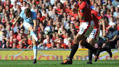 Bellamy scores the second goal for City